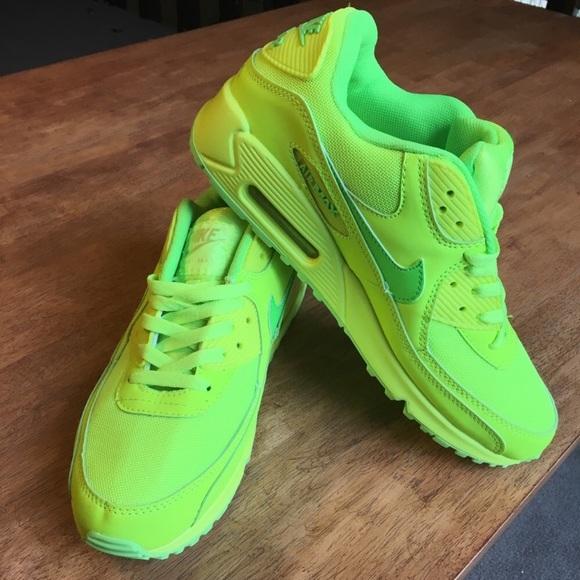 best service e2deb cd24b france nwot nike air max 90 hyperfuse neon yellow 7e2fc 022e2